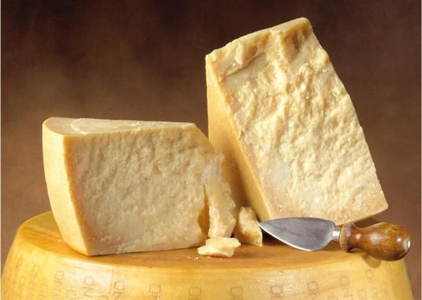 Parmigiano-Reggiano Invecchiato dai 12 ai 36 Mesi Ottimo sui Cappelletti in brodo